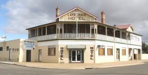 Lake Grace Hotel/Motel