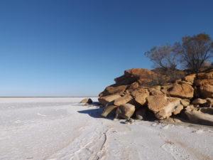 eaglestone-rock-lake-brown-3